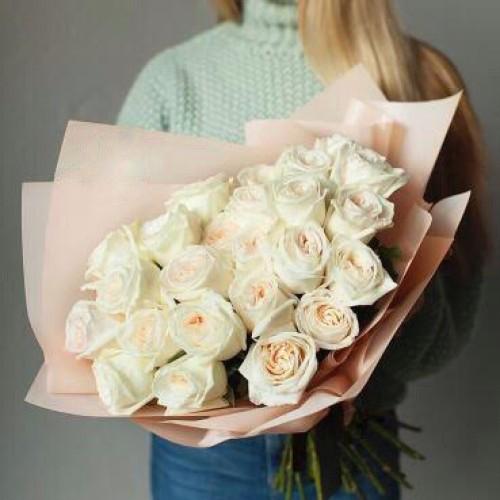 Купить на заказ Букет из 31 белой розы с доставкой в Шемонаихе