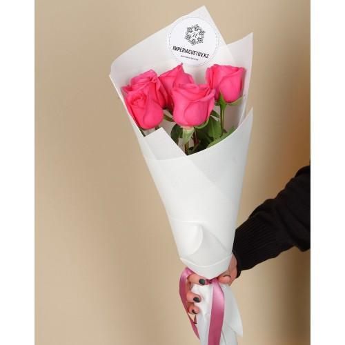 Купить на заказ Букет из 5 розовых роз с доставкой в Шемонаихе