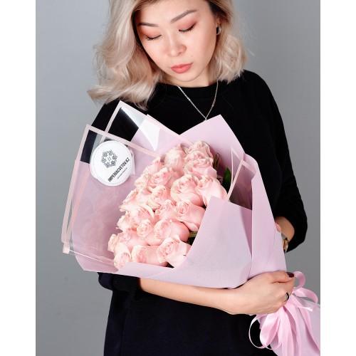Купить на заказ Букет из 25 розовых роз с доставкой в Шемонаихе