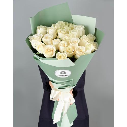 Купить на заказ Букет из 25 белых роз с доставкой в Шемонаихе