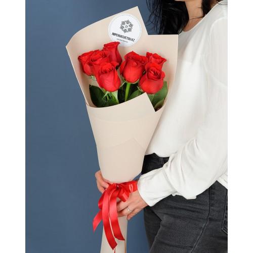 Купить на заказ Букет из 7 красных роз с доставкой в Шемонаихе