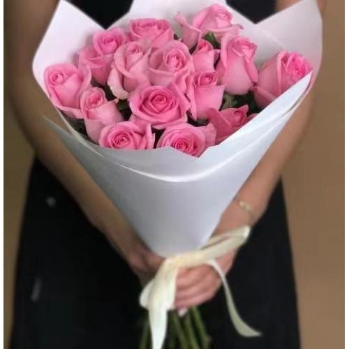 Купить на заказ 15 розовых роз с доставкой в Шемонаихе